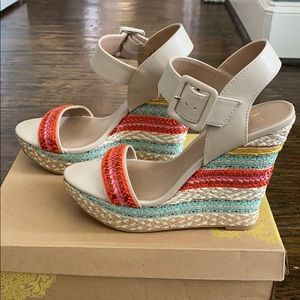 Mix no 6 beige with multicolor wedge shoe